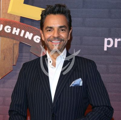 Eugenio Derbez adoptará a Tik Tokers