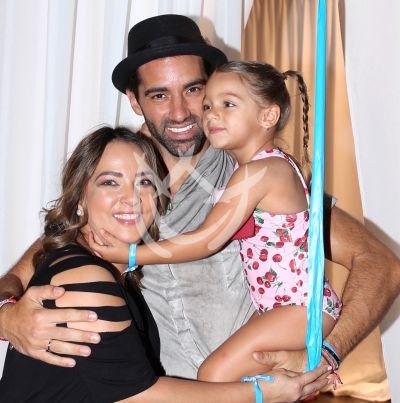 Adamari López y Toni Costa comparten su historia de amor con Alaia