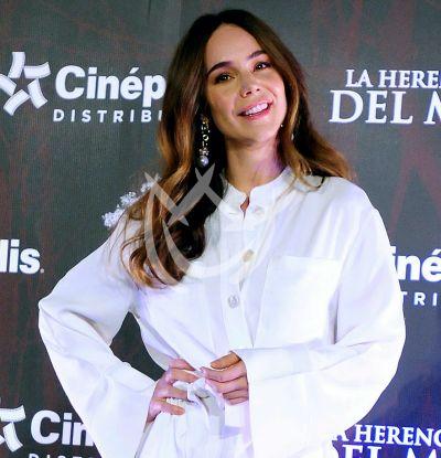 Camila Sodi se desvive en halagos para Issabela Camil