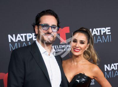 Miguel Varoni celebra su amor de plata con Catherine Siachoque