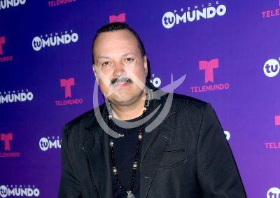 Pepe Aguilar es un jefe estricto con sus hijos