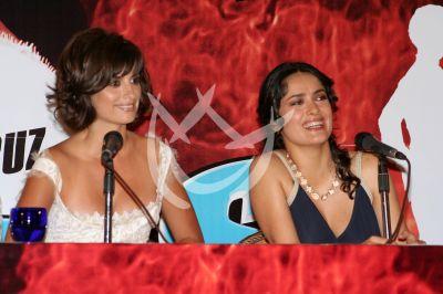 Penélope Cruz y Salma Hayek son Bandidas