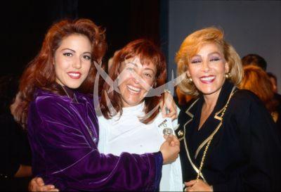 Silvia Pinal e hija y nieta 1990