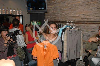 Bárbara en la tienda de su novio