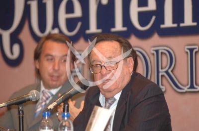 Roberto Gómez presenta libro