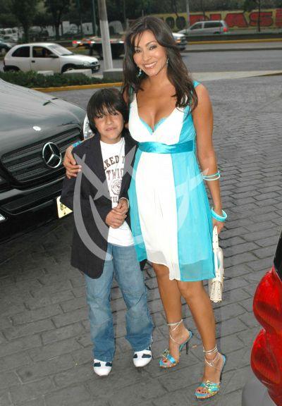 Paty Díaz e hijo