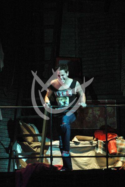 Cristian mezcla ¡música y teatro!