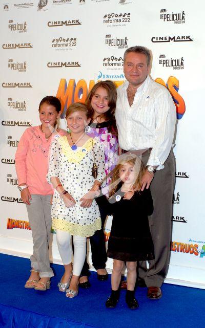 El Guero Castro e hijas