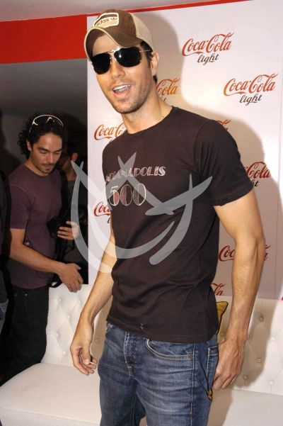 Enrique convive con fans