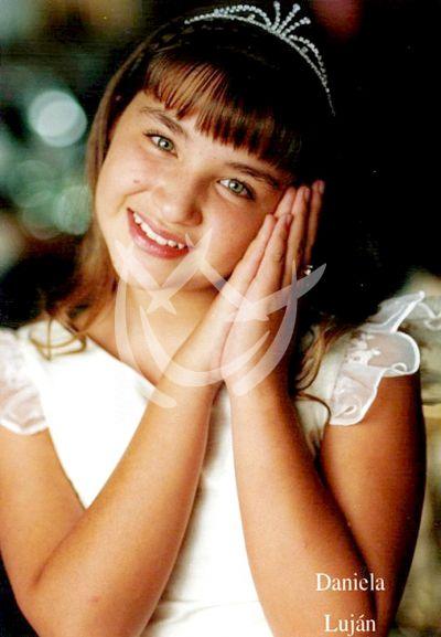 Daniela Luján, 8 años
