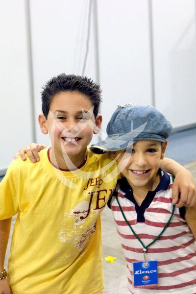 Danna Paola y Alex Speitzer niños 2001
