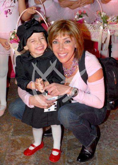 Cynthia Klitbo e hija