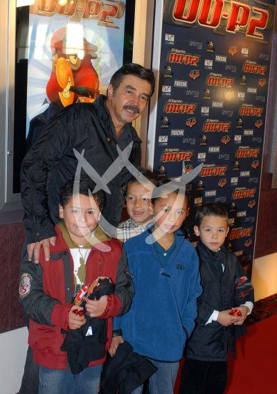 Jorge con su hijo y...