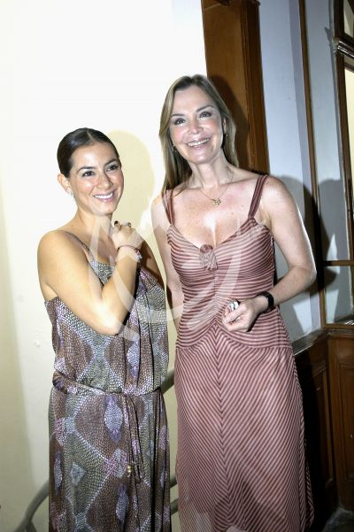 Claudia y Gaby ¡Codígo de Ayuda!