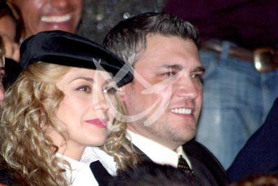 Aracely Arámbula y hermano