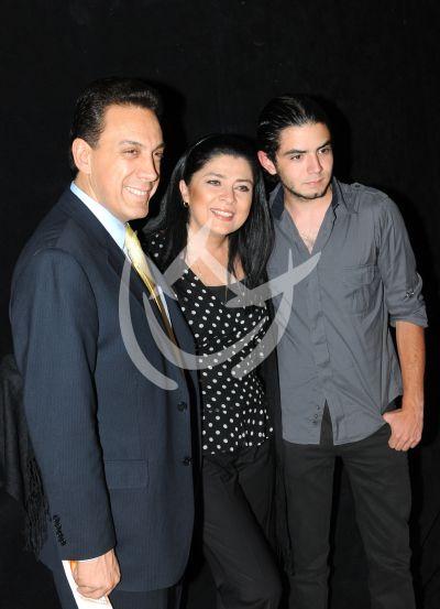 Victoria Ruffo e hijo José Eduardo