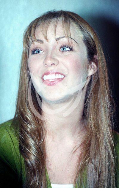 Anahí, 2001
