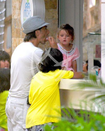 Sergio ¡comparte helado!