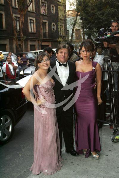 Miguel Herrera y familia