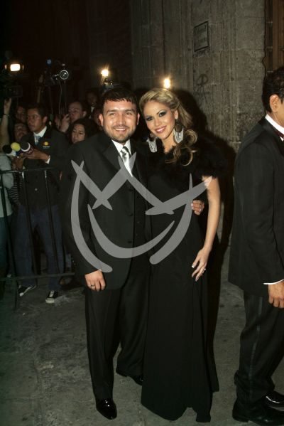 Poncho Lizárraga y esposa