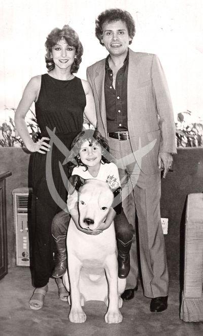 Angélica y familia, 1979