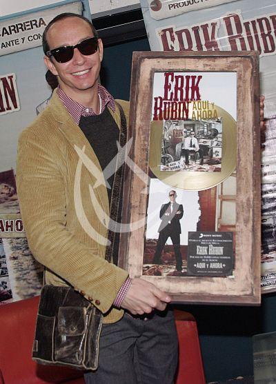 Erik Rubín recibe oro