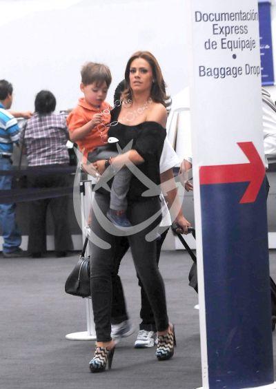 Luz Elena e hijo ¡a volar!