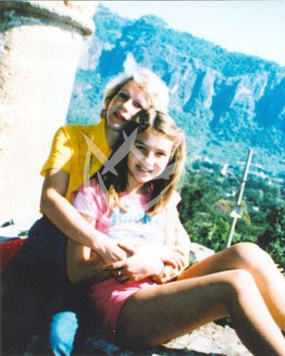 Thalía y mamá Yolanda, circa 1983