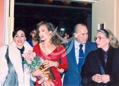 Thalía y mamá Yolanda, 1989