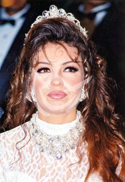 Thalía de novia
