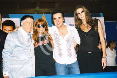 Itatí Cantoral en familia