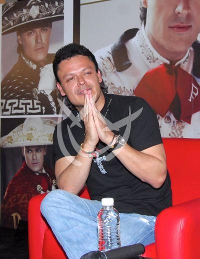 Pedro Fernández 2009- 2012