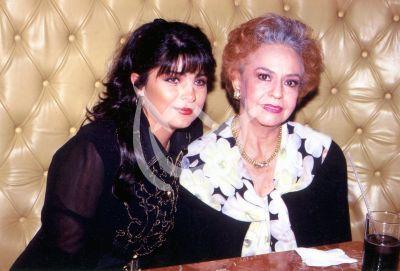 Victoria Ruffo y Doña Silvia Derbez 1998