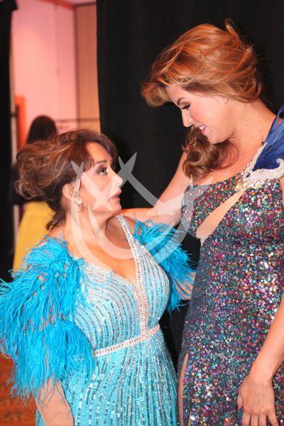 Ma Antonieta y Alicia ¡bailan!