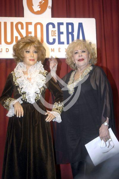 Silvia con Pinal de cera