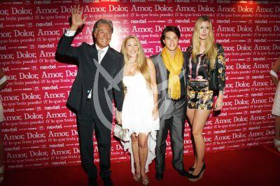 Fernando Allende y familia