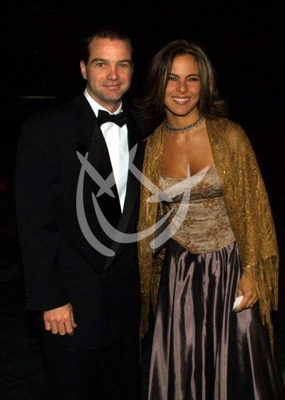 Luis García y Kate del Castillo 2001