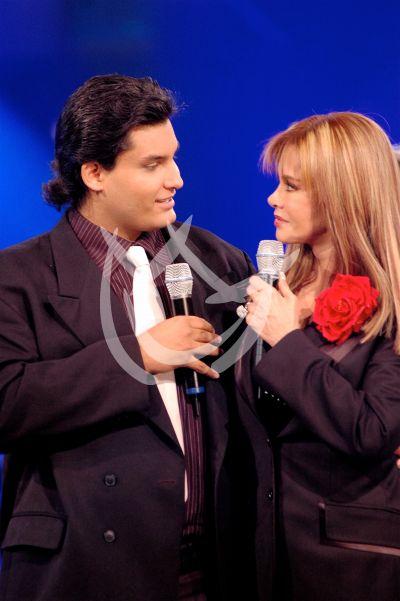 Lucía e hijo Pedro Antonio