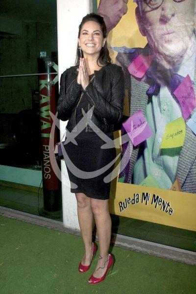 Bárbara Mori con el Pato