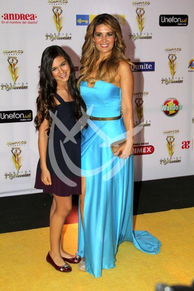 Mayrín Villanueva e hija