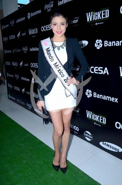 Daniela Miss Mundo con Wicked