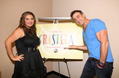 Cristela y Carlos Ponce ¡cómicos!