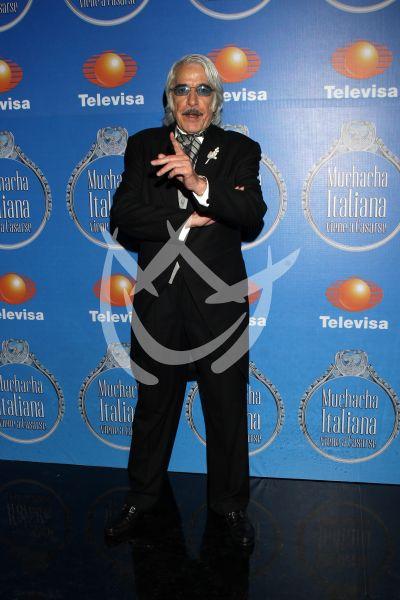 Enrique Rocha con Muchacha