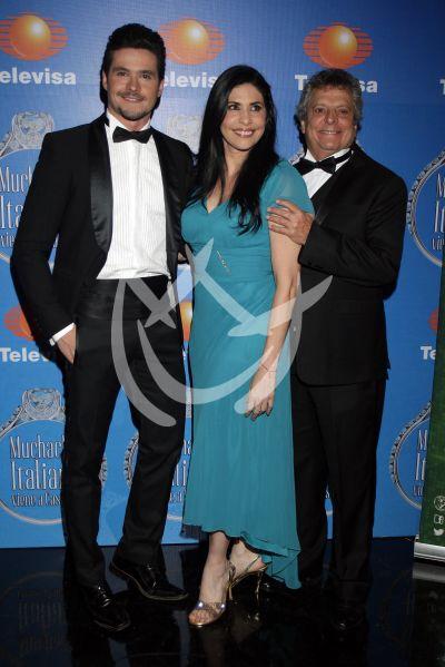 Raquel, César y Eleazar con Muchacha