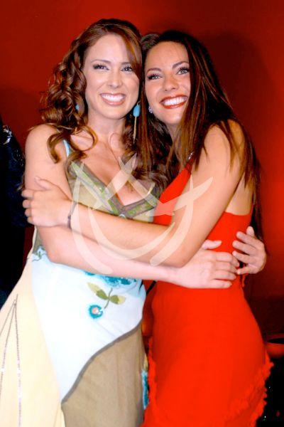 Jacqueline Bracamontes y Bárbara Mori 2004