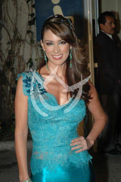 Jacqueline Bracamontes 2004