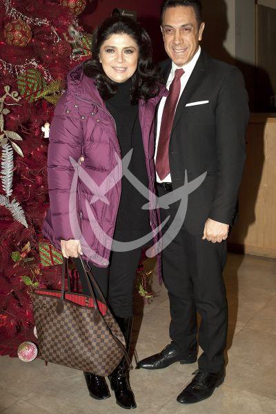 Victoria y esposo con Kokín