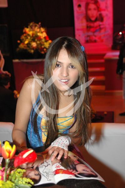 Eiza González 16 años