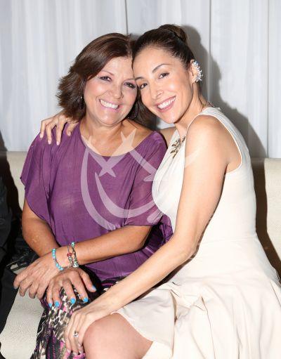 Adriana Lavat y mamá