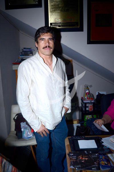 Alberto Estrella hace Pacto